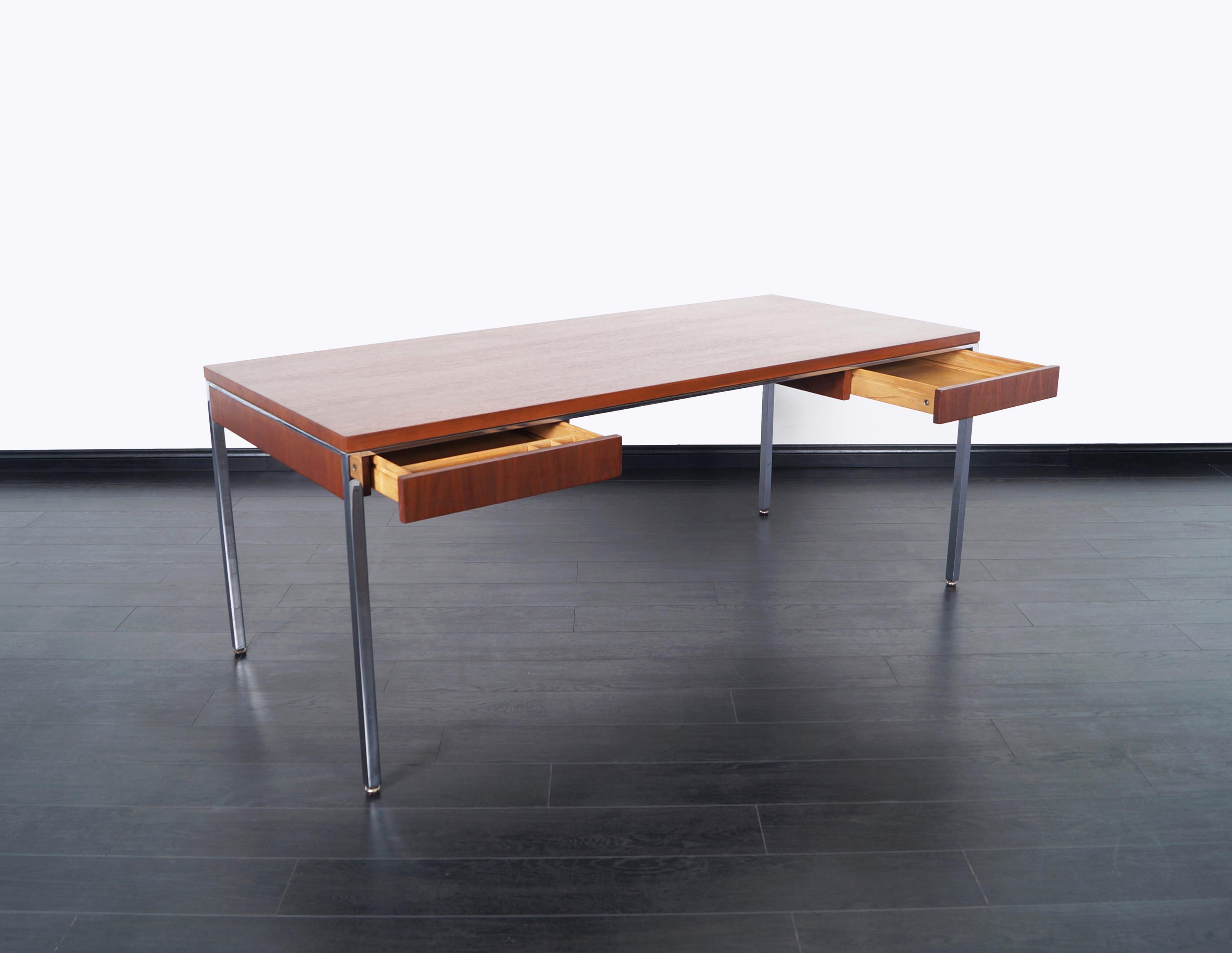 Executive Walnut Desk by Gordon Bunshaft for Knoll