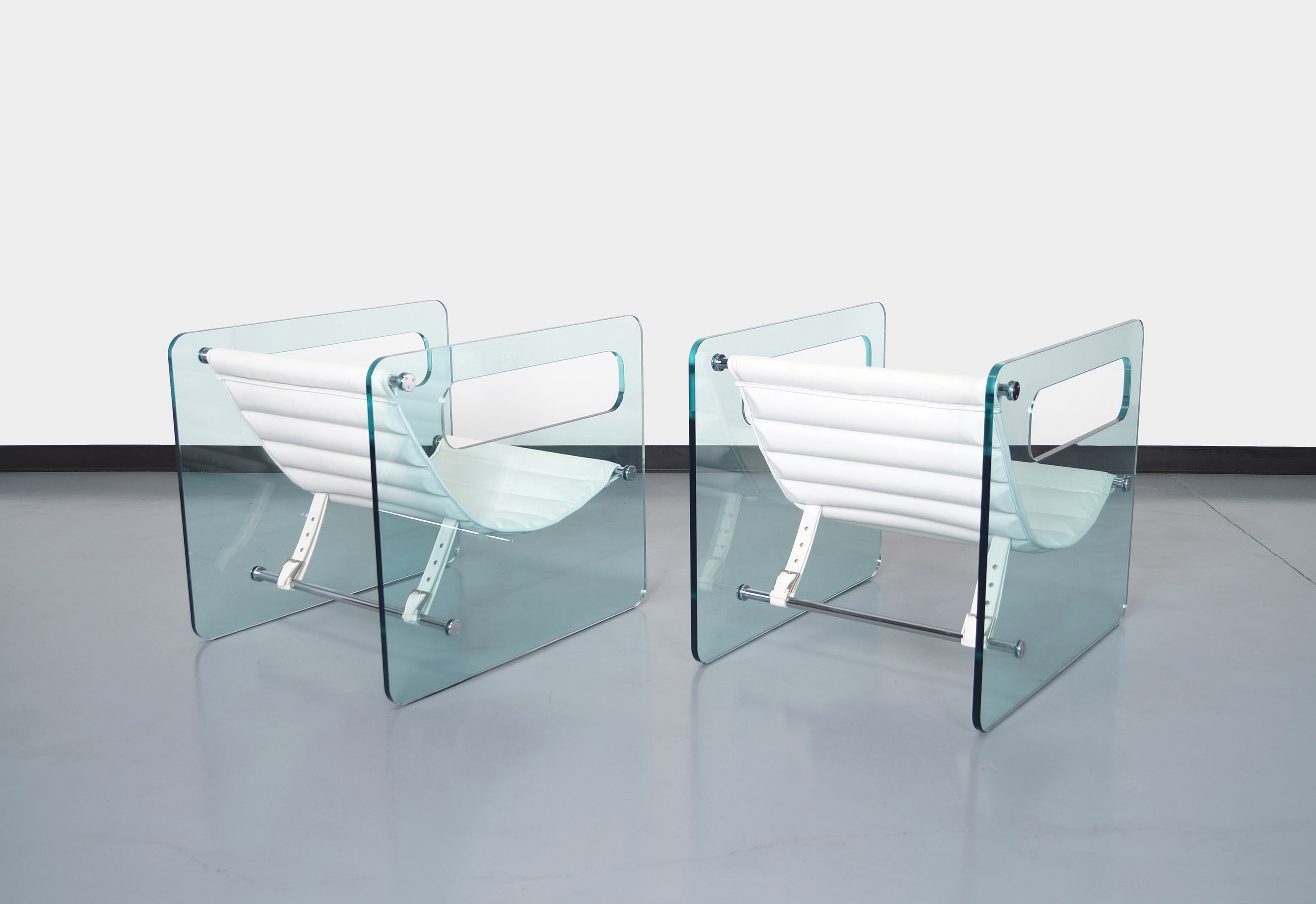 Italian Naked Glass Lounge Chairs by Giovanni Tommaso