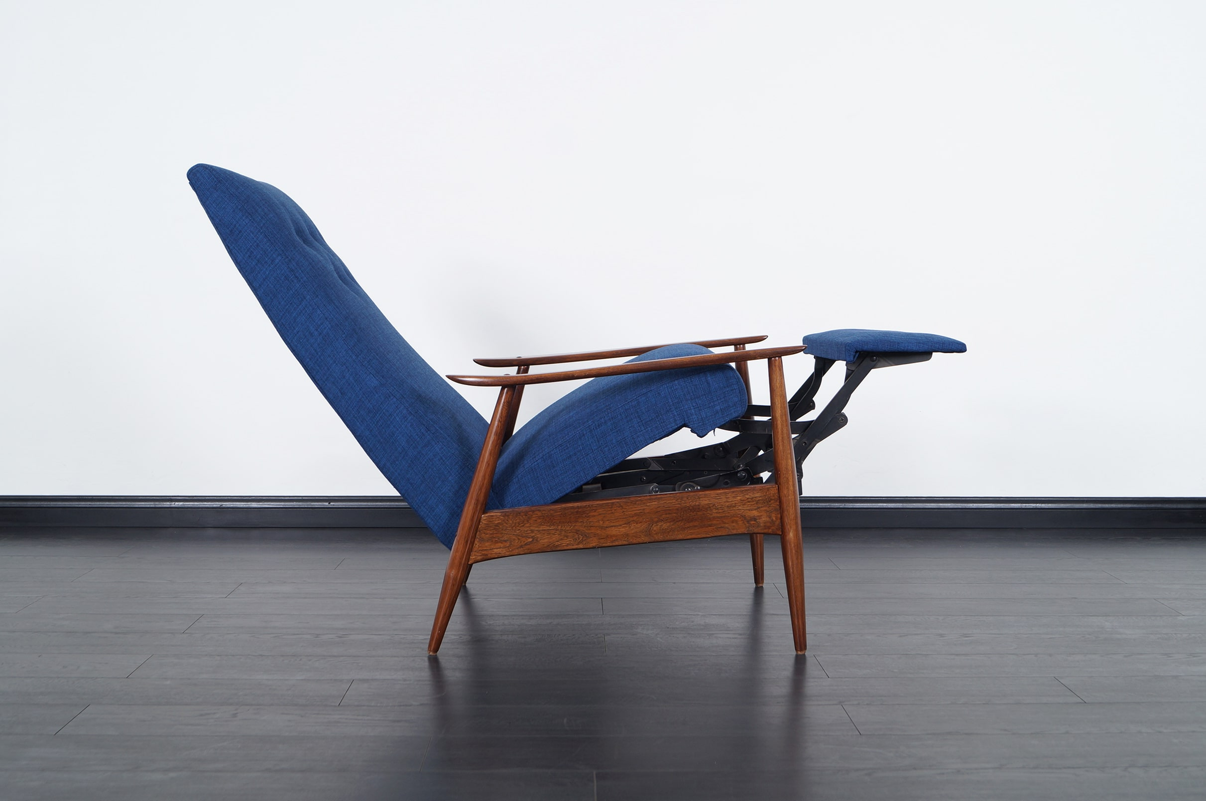 Vintage Reclining Lounge Chair by Milo Baughman