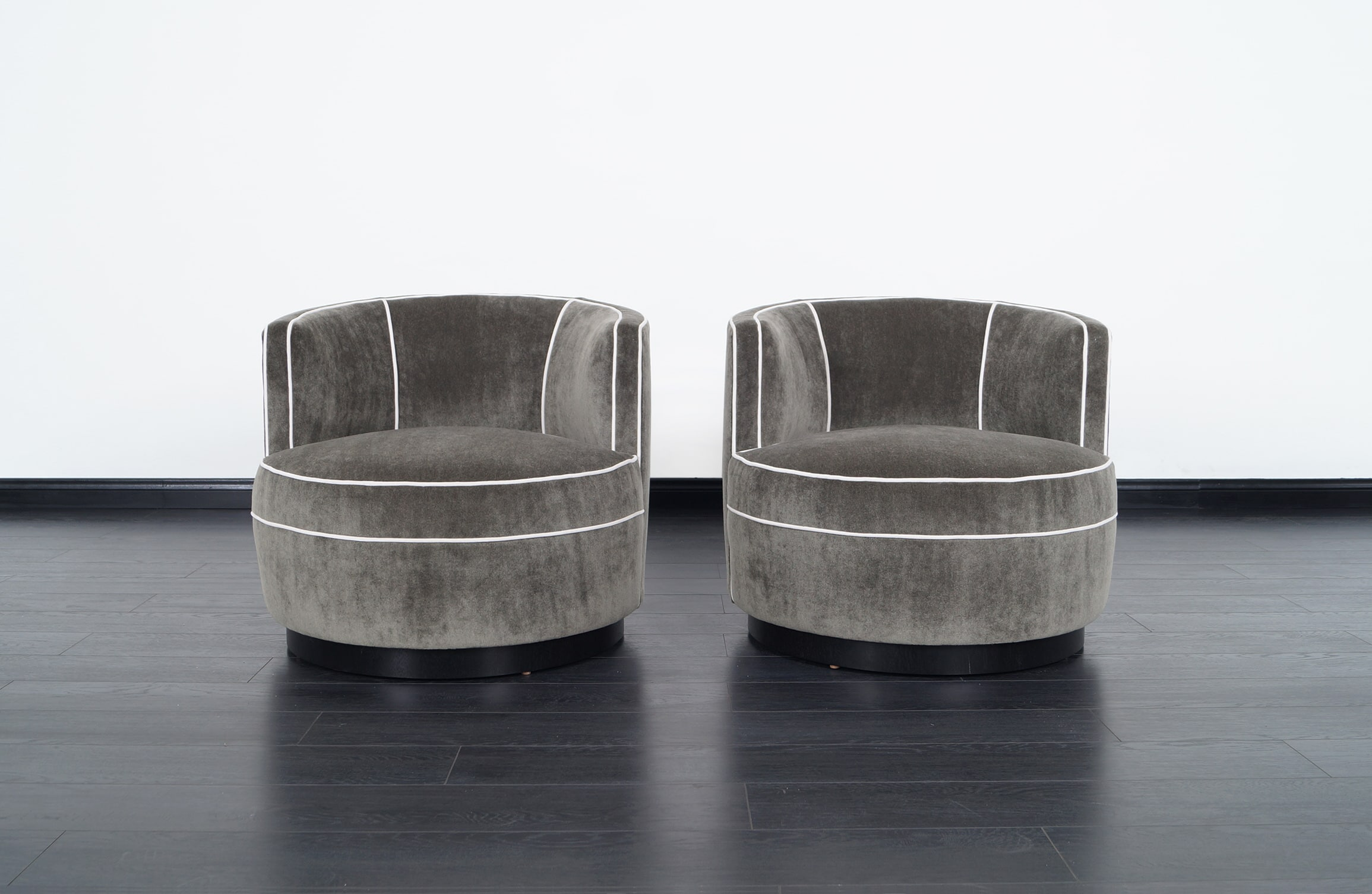 Vintage Swivel Lounge Chairs by Edward Wormley