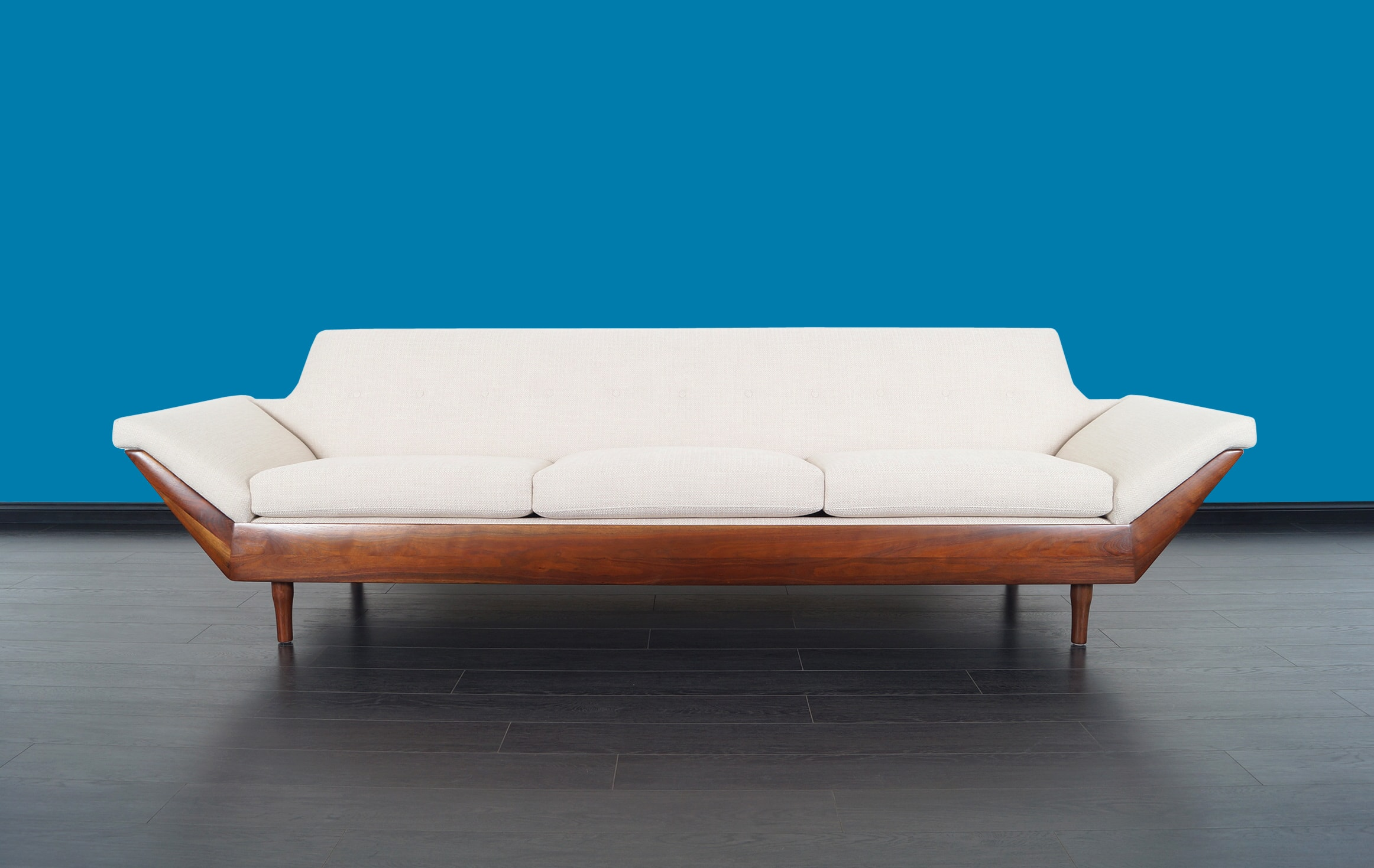 Sculptural Thunderbird Sofa by Flexsteel