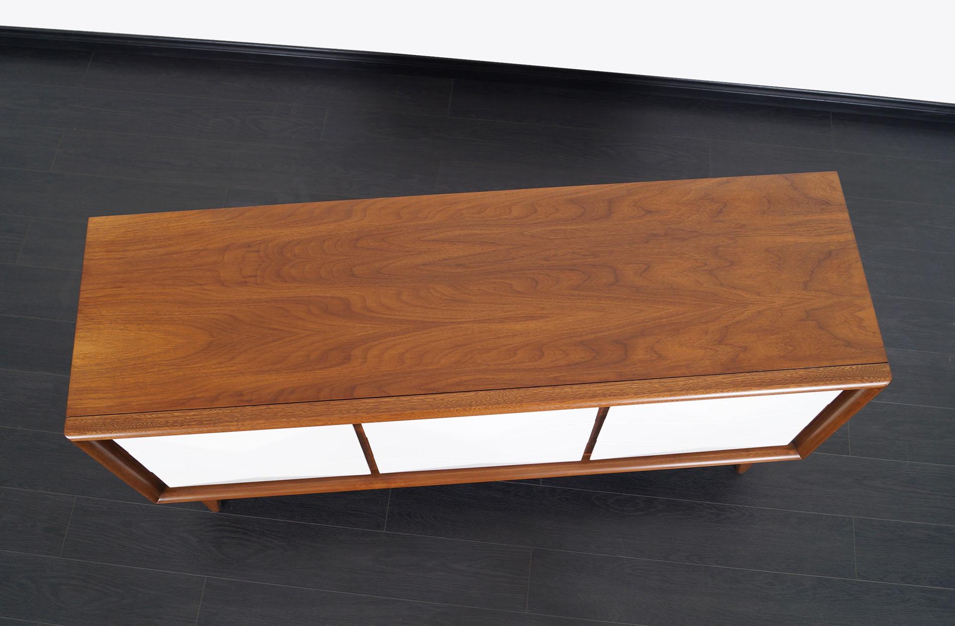 Mid Century Diamond Front Dresser