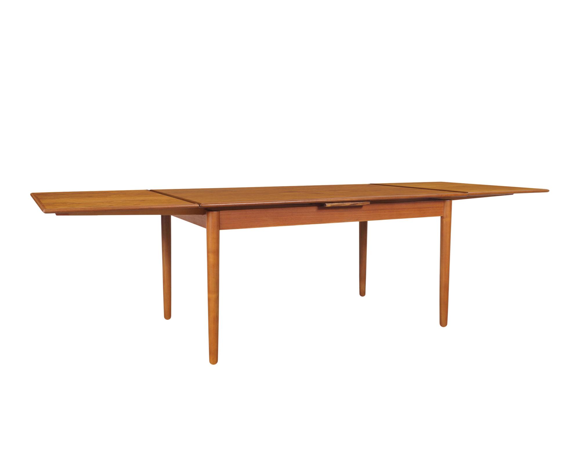 Danish Modern Expanding Teak Dining Table by AM Møbler