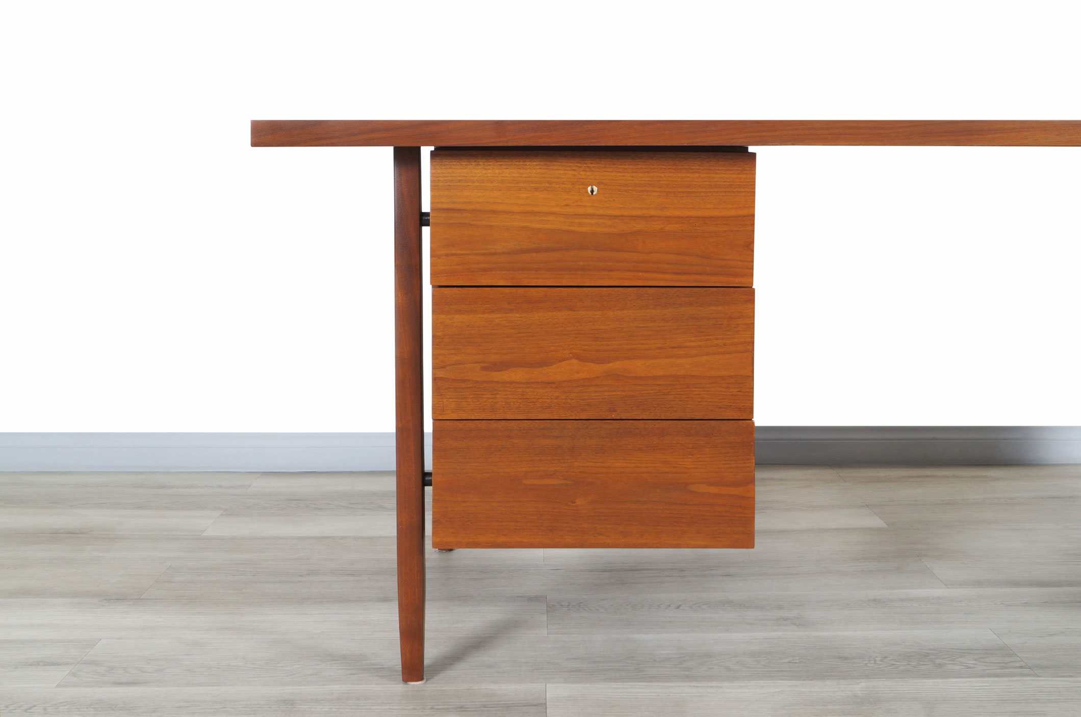 Vintage Walnut Model-1503 Executive Desk by Florence Knoll
